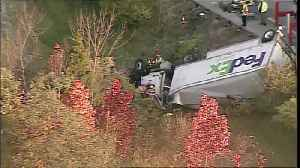 FedEx truck driver trapped, rescued after crash on I-275 [Video]