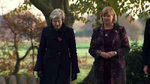 Prime Minister Theresa May lays wreath to mark WW1 Centenary [Video]