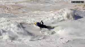 Surfer gets wiped out scaling 60ft wave off Nazaré beach [Video]