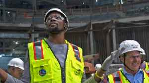Kevin Durant Gets Tour of New Warriors Arena on S.F. Waterfront [Video]