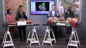 A Taste of Fall shows us their Gourmet Candied Apples [Video]