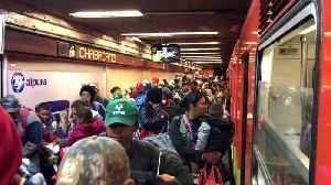 Migrants Fill Mexico City's Chabacano Metro Station En Route North to Quer�taro [Video]