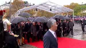 World leaders gather to mark WW1 Armistice centenary [Video]