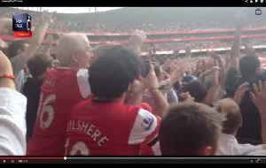 The Incredible Gooner Wave At The Emirates Cup [Video]