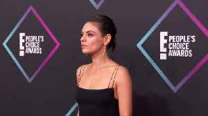Victoria Beckham, Mila Kunis and Tyga strike a pose at People's Choice [Video]