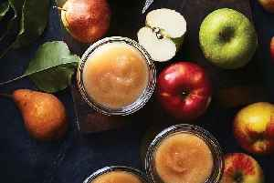 How to Make Homemade Applesauce [Video]