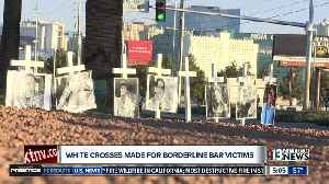 Man creates white crosses for Thousand Oaks shooting victims [Video]