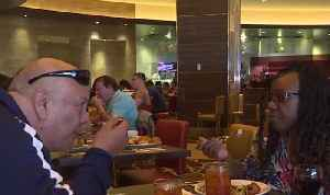 Veterans bond over free buffet at M Resort [Video]