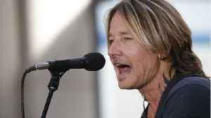 Keith Urban Reflects On Childhood Home Burning Down [Video]