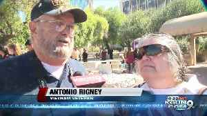 Tucson parade honors veterans [Video]
