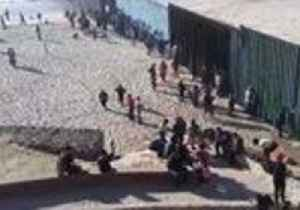 Central American Migrants Face US Officers at Tijuana Border [Video]