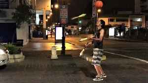 Street performer in Ecuador displays unbelievable talent [Video]