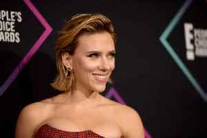 Scarlett Johansson dedicates award to Armed Forces [Video]