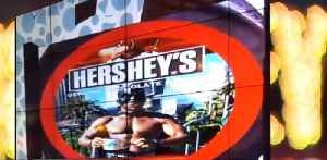 'Black Batman' sues Las Vegas Strip candy store [Video]