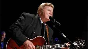 Roy Clark, country guitar virtuoso, 'Hee Haw' star, has died [Video]