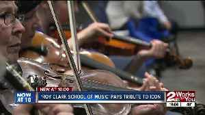 Roy Clark tribute held during fiddling class concert [Video]