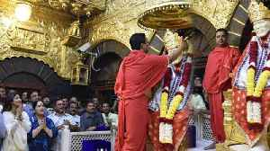 Shilpa Shetty visits Shirdi for Sai Baba Darshasn; check out here | FilmiBeat [Video]