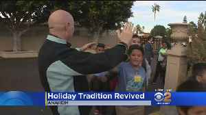 Anaheim Restaurant Revives Holiday Tradition [Video]