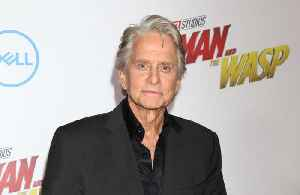 Michael Douglas introduces Kirk to FaceTime [Video]