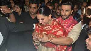Ranveer Singh PROTECTS Deepika Padukone from crowd; Watch Video | FilmiBeat [Video]