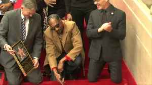 As he gets Hollywood Walk of Fame star, Snoop Dogg thanks ... himself [Video]