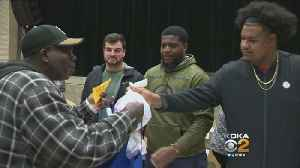 Steelers Hand Out Thanksgiving Meals To Needy Families [Video]