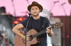 Niall Horan misses being in One Direction [Video]