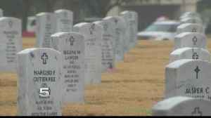 Veterans to Place Wreaths on Soldiers' Gravesites [Video]
