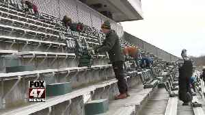 Boy Scouts pulling seats for money [Video]