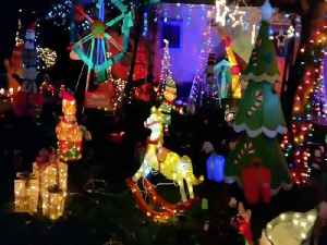 HOLIDAY LIGHTS! Is this front lawn the most festive in America - ABC15 Digital [Video]