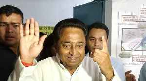 MP Election 2018 : Congress Leader Kamalnath ने डाला Vote, 140 Seats जीत&# [Video]