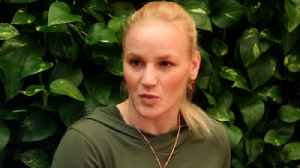 Valentina Shevchenko discusses muay Thai givnig her leg up on Joanna Jedrzejczyk [Video]