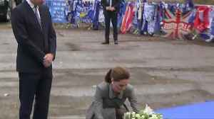 Prince William and Kate pay tribute to Leicester City helicopter crash victims [Video]