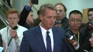 Flake to push for vote on bill to shield Mueller [Video]