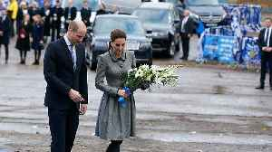 Watch: Duke and Duchess of Cambridge pay tribute to Leicester City helicopter crash victims [Video]