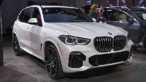 BMW X5 at the Los Angeles International Auto Show 2018 [Video]
