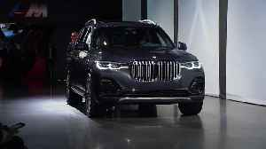 BMW X7 reveal at the Los Angeles International Auto Show 2018 [Video]