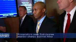 Prosecutors Ask To Add Harsher Charge Against Mohamed Noor [Video]