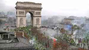 'Yellow vest' protesters in Paris clash with police [Video]