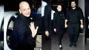 Sonali Bendre returns to India after Cancer Treatment, spotted at Mumbai airport; Watch | FilmiBeat [Video]