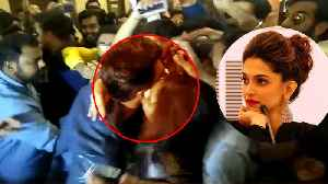 News video: Simmba Trailer: Female Fan KISSES Ranveer Singh at Trailer Launch event; Watch Video | FilmiBeat