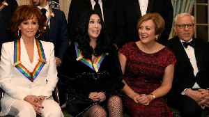 Celebrities, guests arrive for Kennedy Center Honors program [Video]