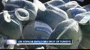 Les Schwab employees donate 600 turkeys to Idaho Foodbank [Video]