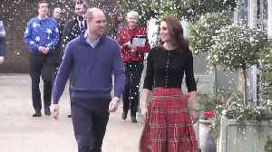 Right Now: This Is How Kate Middleton Dresses for a Christmas Party [Video]
