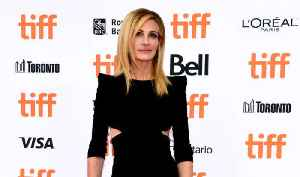 Julia Roberts bids for more Instagram followers [Video]