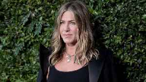 News video: Jennifer Aniston 'Burst Into Tears' After Singing For Dolly Parton