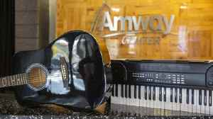 Manilow Music Project will help Jones High School get a new piano, other instruments [Video]