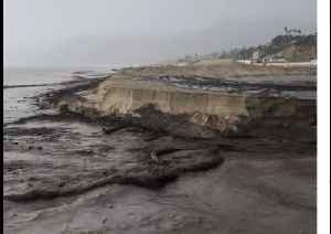 Mud Flows From Malibu Fire Burn Scar to Sea [Video]