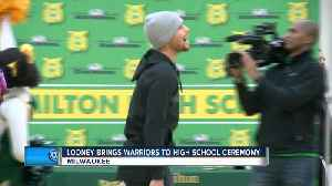 Curry, Durant and the Golden State Warriors crash Looney's Hamilton High School event [Video]