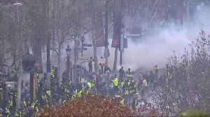 French police fire tear gas at protesters in Paris [Video]